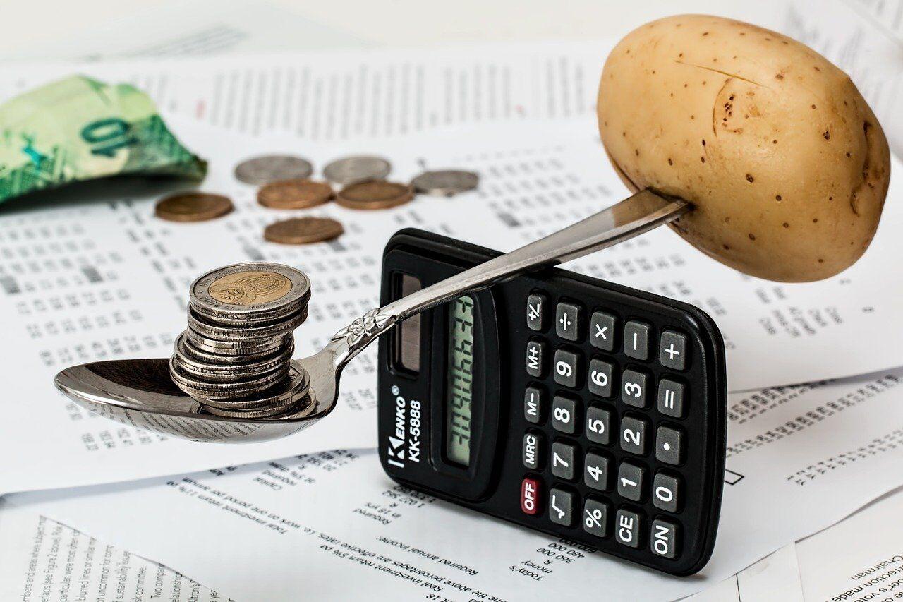 balancing money on calculator